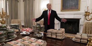 Trump serviert seinen Gästen Fast Food