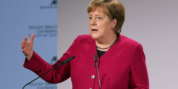 Wilde Spekulationen um Angela Merkel