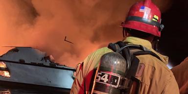 Notruf zeigt Dramatik bei Boots-Feuer vor Kalifornien
