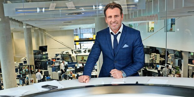 Ab sofort: Volker Piesczek moderiert auf oe24.TV