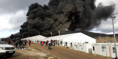 Flüchtlinge: Politik blockiert Evakuierung von bosnischem Horror-Camp | Caritas & Co. schlagen Alarm