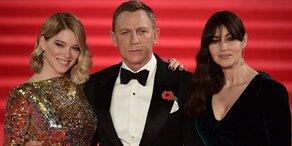 Diese Frauen versexten 007-Premiere