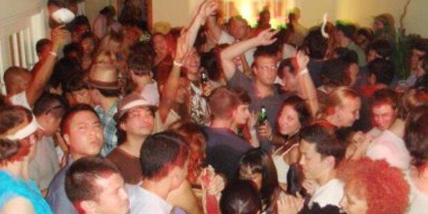 Über 200 ungebetene Facebook-Gäste bei Party
