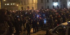 Tausende bei Lichterkette gegen FPÖ