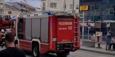 Nach Brand: Shoppingcenter in Simmering evakuiert