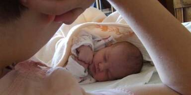 Babys in Gefahr im Elternbett