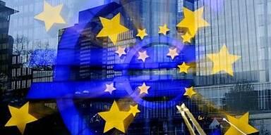 EZB senkt Leitzins auf Rekordtief von 1,0%