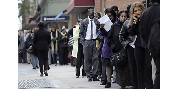 Erstanträge auf Arbeitslosenhilfe stiegen unerwartet stark