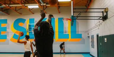 2K Foundations, The Weeknd und NAV bringen Basketball-Court in Toronto auf Vordermann
