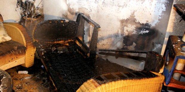 Zigarette setzt eine Wohnung in Brand