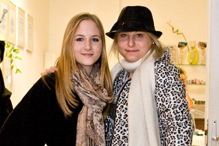 2 Katzi Anastasia Sokol und Jacqueline Lugner