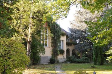 2 Villa von Josef Meinrad steht zum Verkauf 460*305