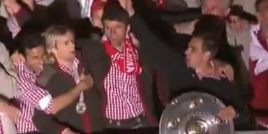 Meistertitel: So ließen es die Bayern krachen