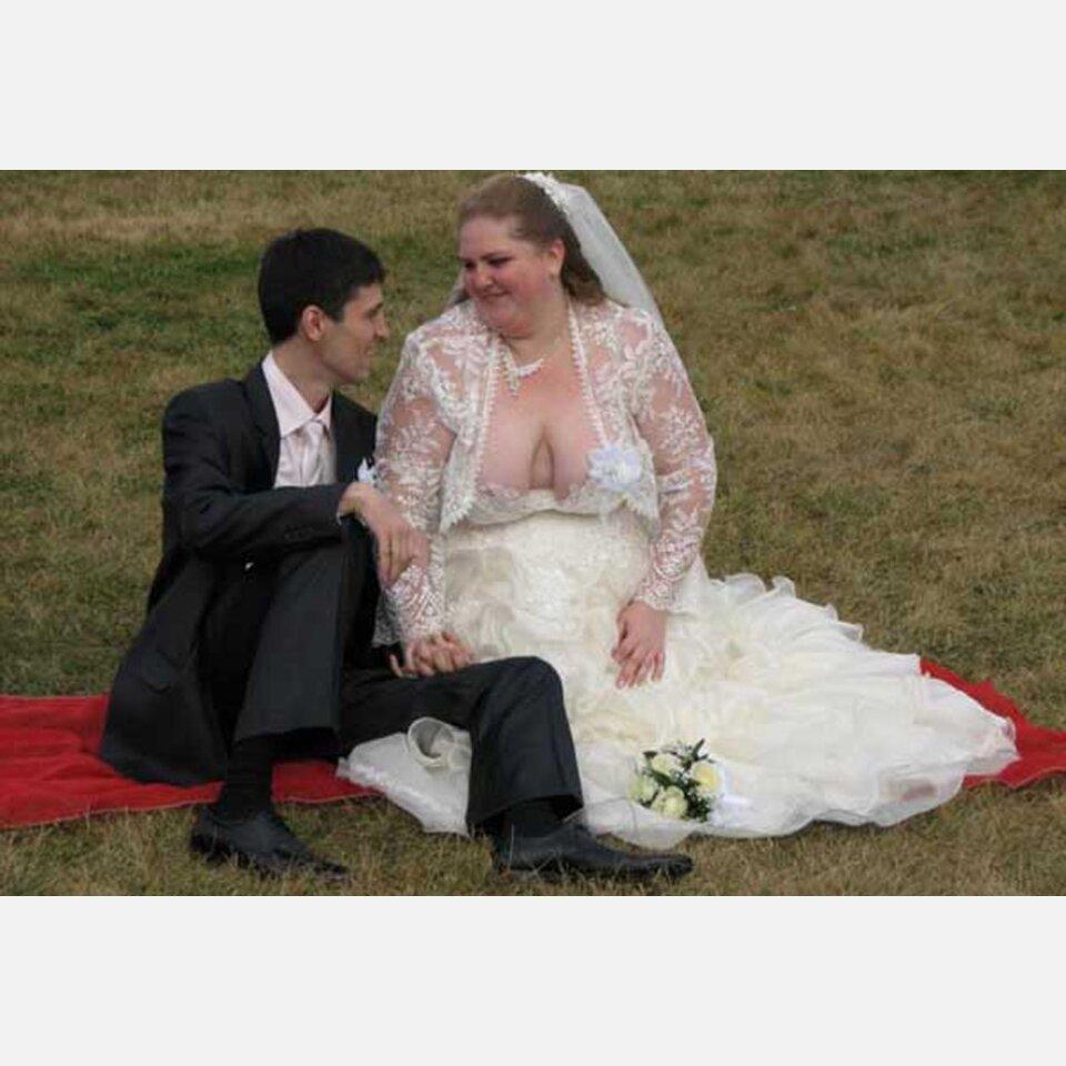 Die 16 schlimmsten Hochzeitskleider