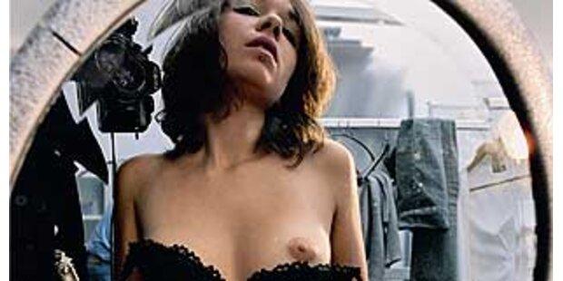 Heiße Mädchen in Nackt-Selbstporträts