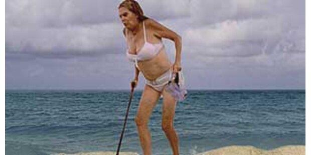Ursula Andress ist plötzlich steinalt