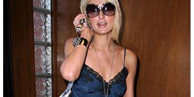 Paris Hilton shoppt in Unterwäsche