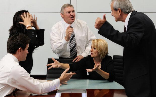 Karriere: Männer sabotieren mehr als Frauen