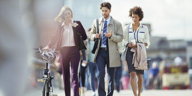Frauen gehen weltweit weniger zu Fuß als Männer