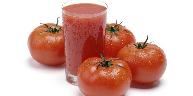 Darum trinkt man im Flieger Tomatensaft