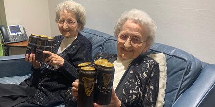 95-jähriges Zwillingspaar verrät Altersgeheimnis