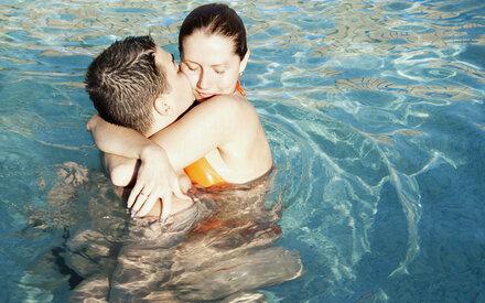 Pool-Sex: Erotische Spiele im Wasser