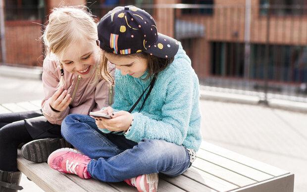 Ab wann dürfen Kinder ein Handy haben?