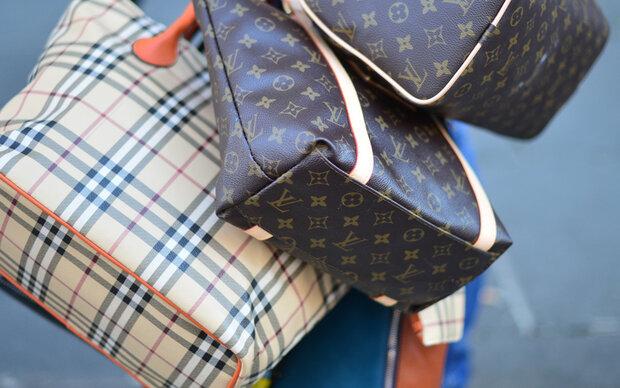 6c7a5e3b43fa48 So erkennen Sie gefälschte Handtaschen