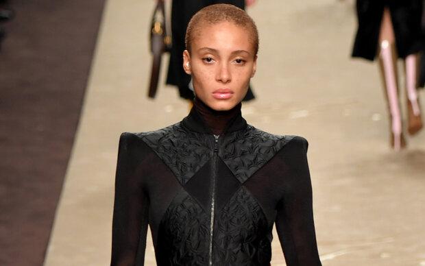 Fashion Week: Fendi zollt Lagerfeld Tribut