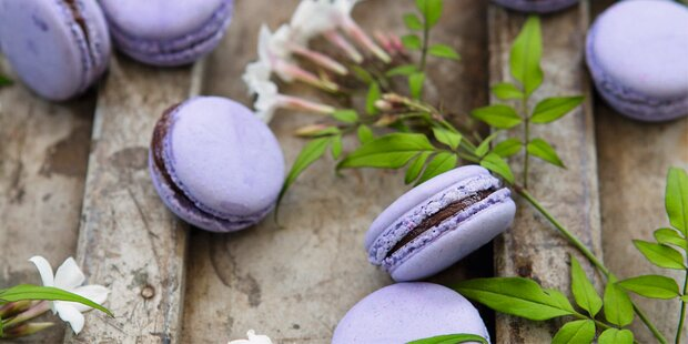So gelingen Lavendel-Macrons