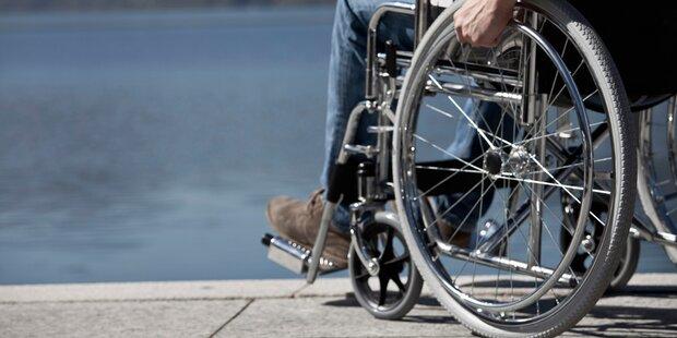 Rollstuhlfahrer kippte über Randstein: tot