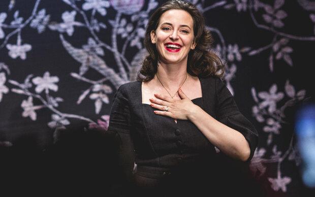Lena Hoschek im Babyglück