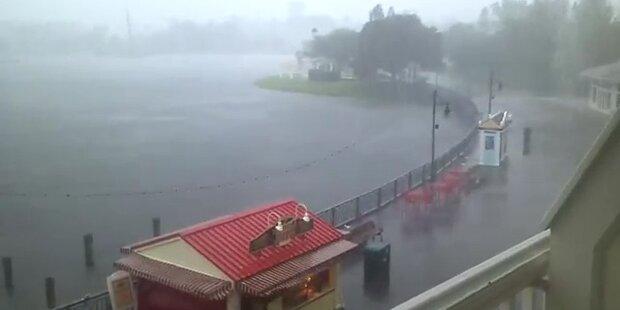 Sturm und Heftiger Regen in Disney World