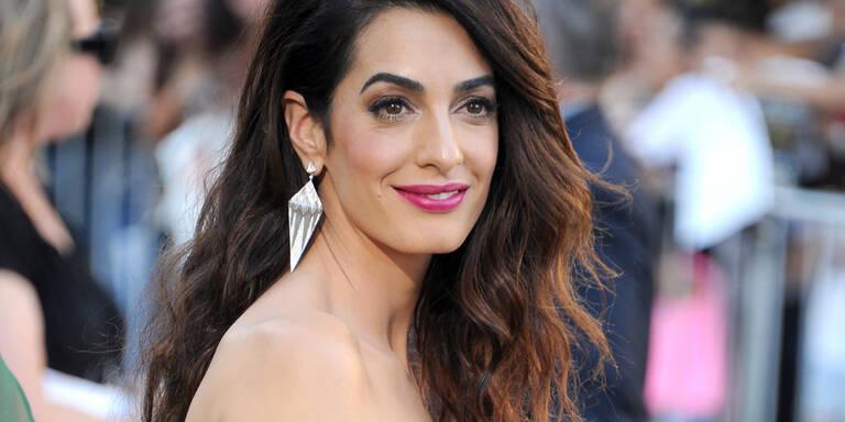"Amal & George Clooney mit Schwiegermama Baria Alamuddin bei der ""Suburbicon""-Premiere in Los Angeles"