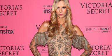 Victoria's Secret - Nadine Leopold