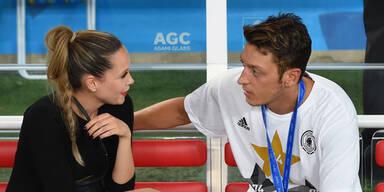 Mesut Özil & Mandy Capristo