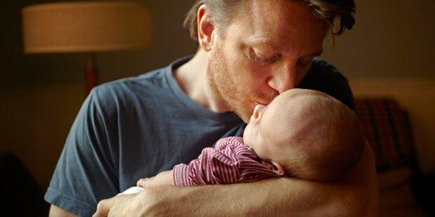 Darum landete Baby nach einem Kuss im Krankenhaus