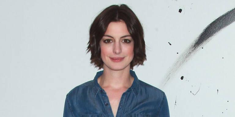 Anne Hathaway spielt Drohnen-Pilotin
