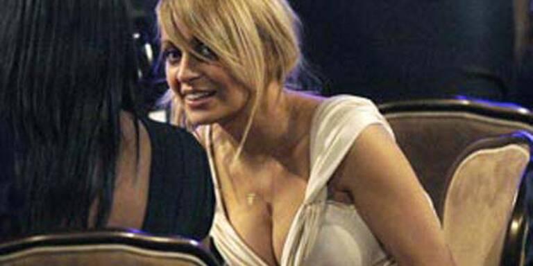 Nicole Richie mag ihre vollen Brüste gar nicht
