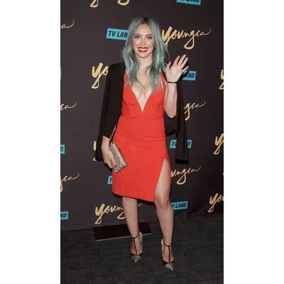 Hilary Duff im megasexy Bodycon-Kleid