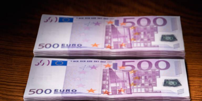 Flüchtling gab gefundene 50.000 Euro ab