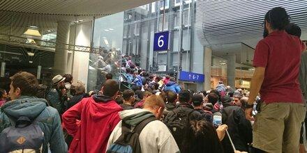 Flüchtlinge bangen um Weiterreise nach Deutschland