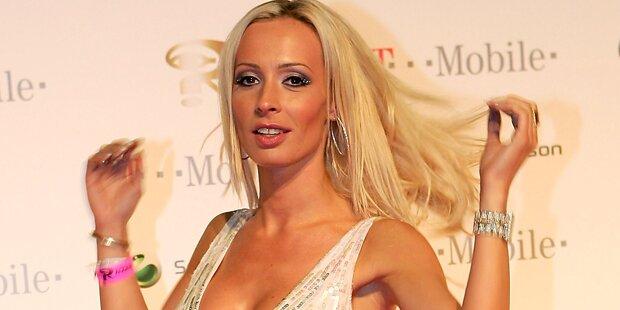 Cora tanzt für 150.000 Euro