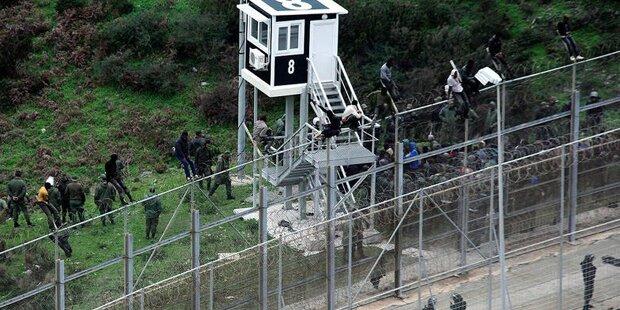 Flüchtlinge stürmen erneut spanische Exklave Ceuta