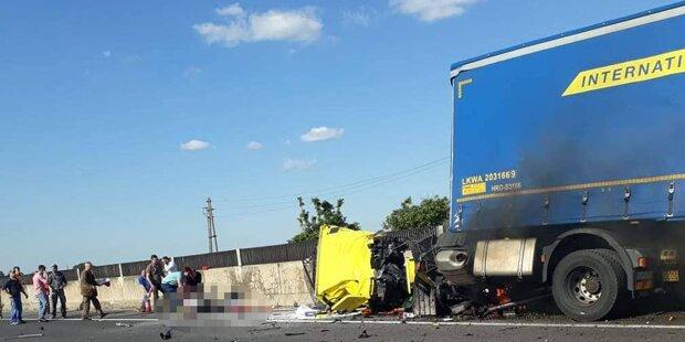 Wieder auf A2! Lkw crasht – Lenker doch nicht tot