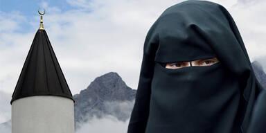 59 % der Österreicher haben Angst, dass Terroristen unter den Muslimen sind