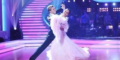 Petra & Vadim tanzen einen Slowfox