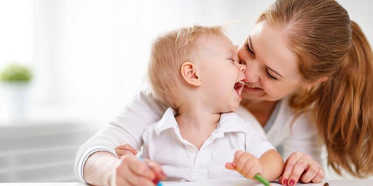 So viel müssten Mütter eigentlich verdienen!