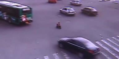 3-Jähriger unternimmt Motorrad-Ausflug