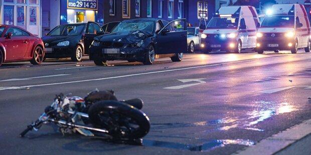 Pärchen stirbt bei Mopedunfall